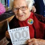 A 100 ans, elle fume un demi-paquet de cigarettes par jour