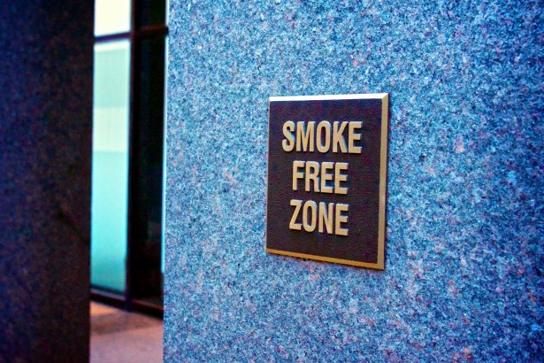 zone pour fumeurs